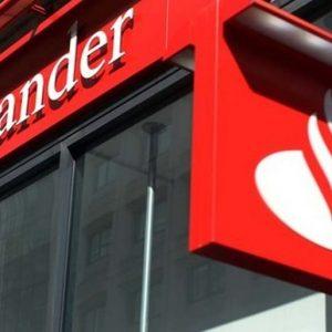 Yvancos abogados. Afectados por swaps. Foto de parte de la fachada de una oficina del banco Santander.